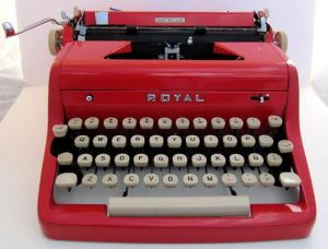50_s_Vintage_Red_Royal_Quiet_De_Luxe_Typewriter