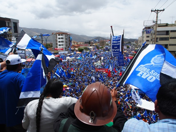 Rally in Support of the MAS in 2014, Cochabamba. Photo by Thomas Grisaffi.